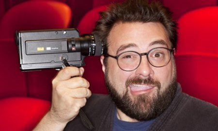 Kevin-Smith-holding-camer-001